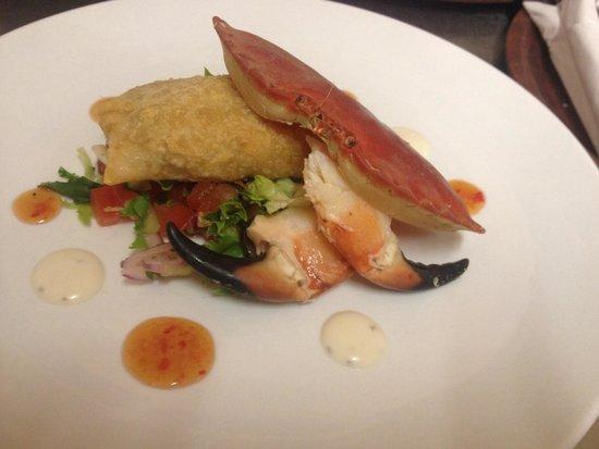The White Hart Hotel Restaurant: Crispy crab parcel