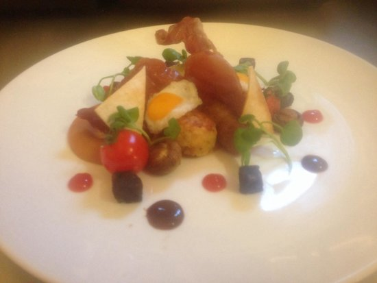 The White Hart Hotel Restaurant: Mini full English