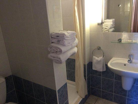 Hotel Acacias: bagno