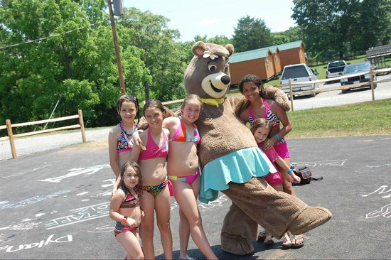 Yogi Bear's Jellystone Park at Natural Bridge: Girl time with Cindy