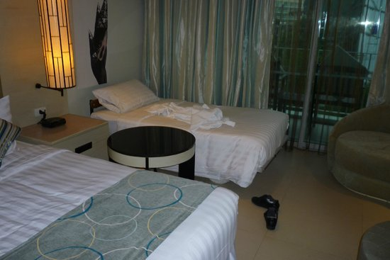 Millennium Resort Patong Phuket: An extra bed costs 1500THB