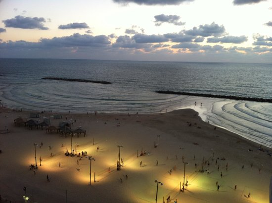 Crowne Plaza Tel Aviv Beach: הנוף מהחדר