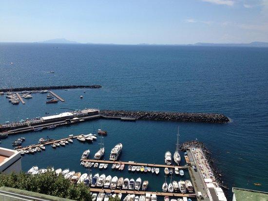 Hotel Klein Wien : View of marina