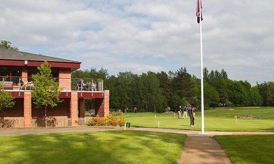 Bothwell Castle Golf Club: Clubhouse