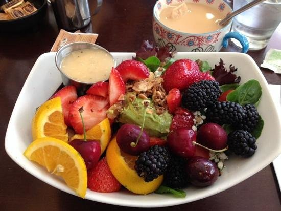 Hollywood Cafe: Gorgeous berry salad