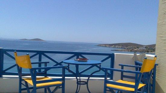 Anemona Villas: vue de la terrasse 1