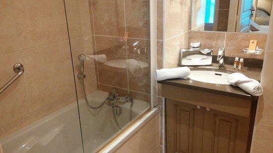La Closerie Deauville Residence Hotel: Salle de bain