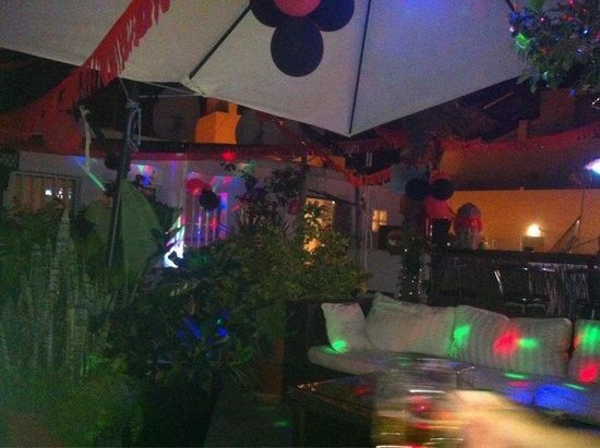 Babylon Hotel : Lovely roof top bar!