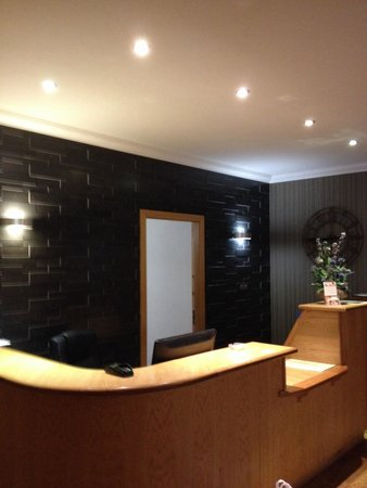 Nevis Bank Inn : Reception