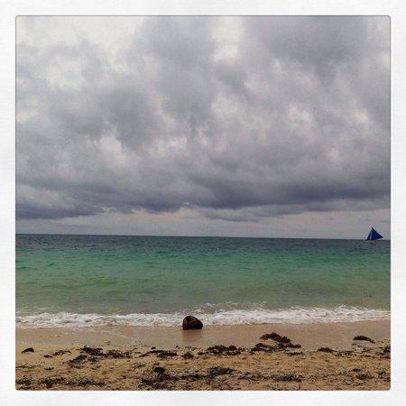 White Beach: Spectacular