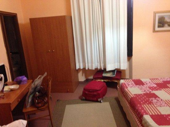 Hotel Toscana: Простор в номере