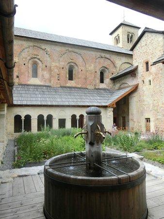 Abbaye de Boscodon: cloître