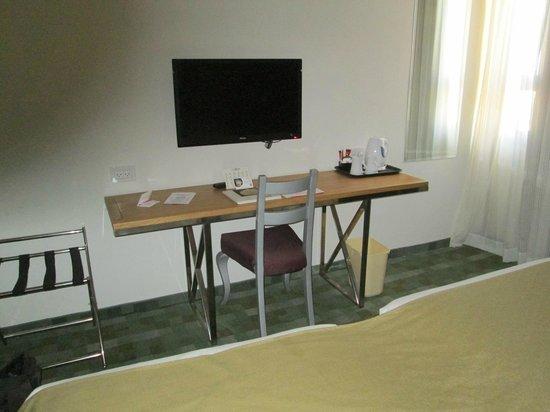 Hotel Prima Park: Sitzecke+TV