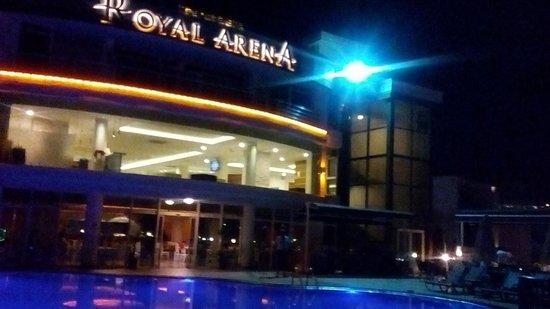 Royal Arena Resort & Spa: gece görüntüsü