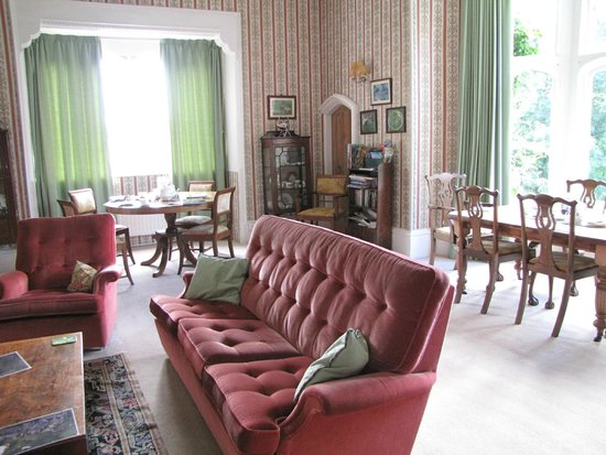 Greenham Hall: Dining/lounge