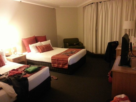 Hotel Grand Chancellor Surfers Paradise: Main Bed room