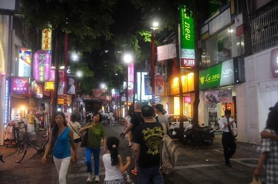 Ximen Red House - Ximending: one street in ximending