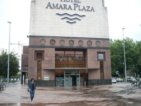 Silken Amara Plaza Hotel : Puerta cafeteria !!