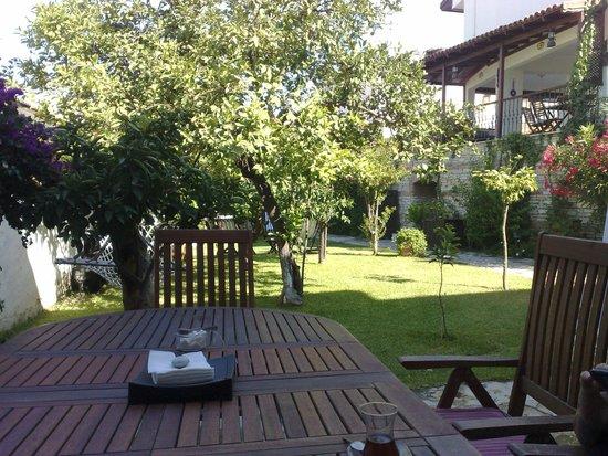Villa Konak Hotel Kusadasi: Area where the 5pm Soiree Happens