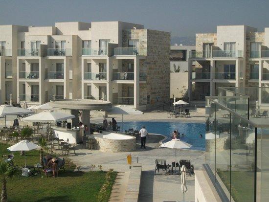 Amphora Hotel & Suites : hotel view