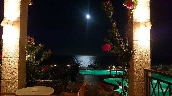Mitsis Lindos Memories Resort & Spa: Vollmondnacht (Blick von der Bar)