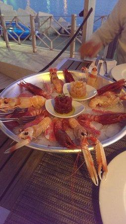 Ristorante Porthotel Calandra: alzata di pesce crudo
