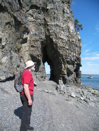 Inn at Bay Ledge: Keyhold cave on the beach