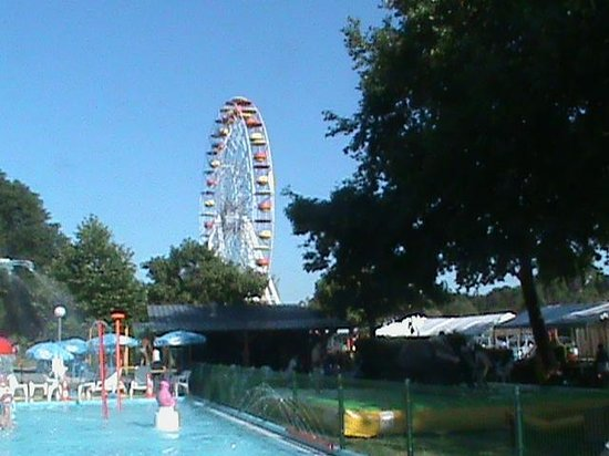 parc attraction 37000