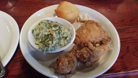 Claudia Sanders Dinner House: Fried Chicken Meal