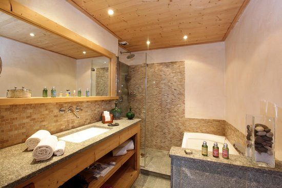 Chalet du Mont d'Arbois : Salle de bain Chambre Vallée