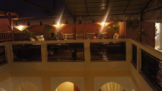Riad Lena & SPA: The terrace / restaurant at night