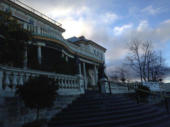 The Carrington Hotel: Exterior