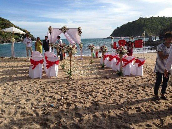 Boomerang Village Resort : wedding beach