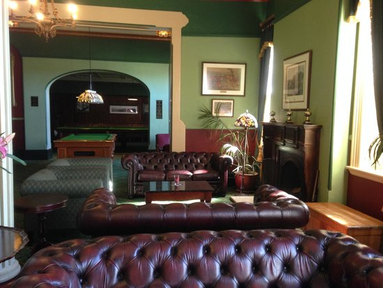 The Carrington Hotel: Billiards Room