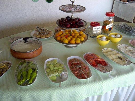 Villa Konak Hotel Kusadasi: Sumptious Breakfast