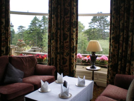 Culloden Estate & Spa: drawing room