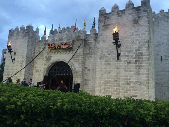 Medieval Times Dinner & Tournament: Faixada