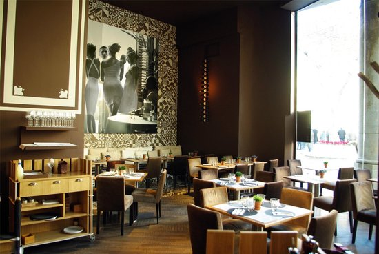Restaurant Brown33 : Salón principal con vistas a Paseo de Gracia
