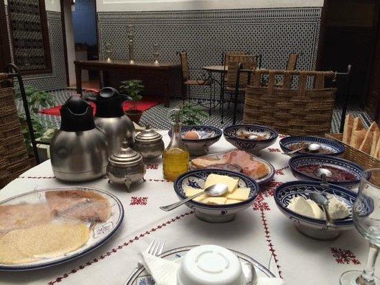 Riad Dar Tafilalet : breakfast