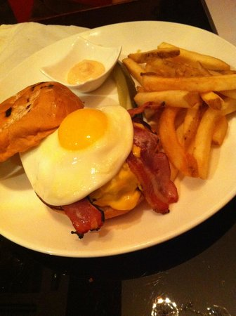 Stone's: Angus Beef Burger with Bacon and Egg