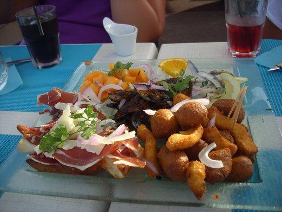 La Marine du Port : assiette de tapas pendant l'apéro