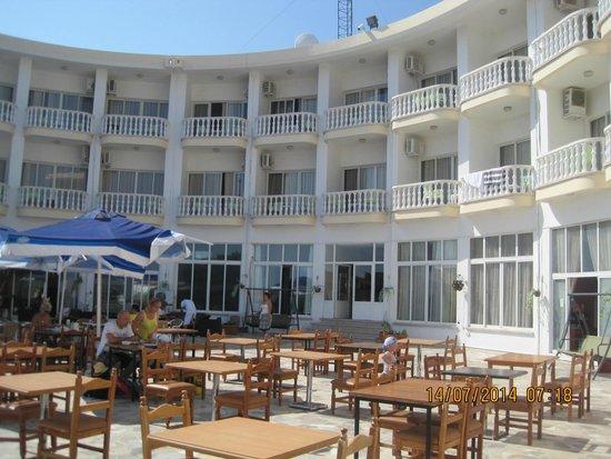 Hotel Sempati: hotel rooms