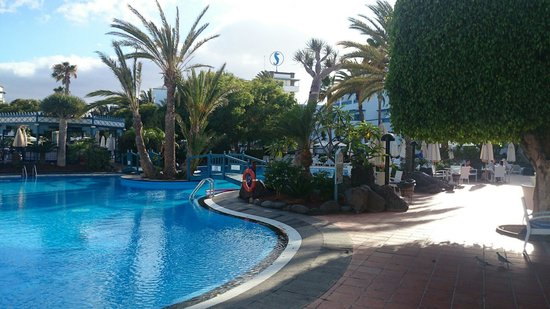 Seaside Los Jameos Playa : Pool near to the restaurant