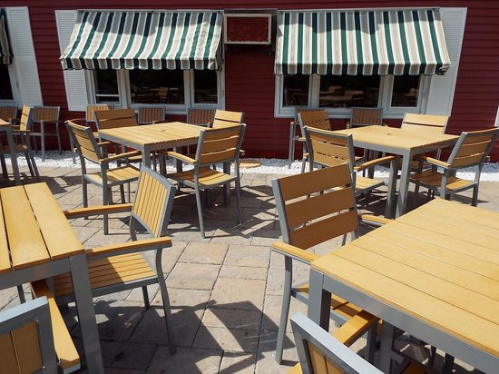 The Vermont Inn Restaurant: The Patio