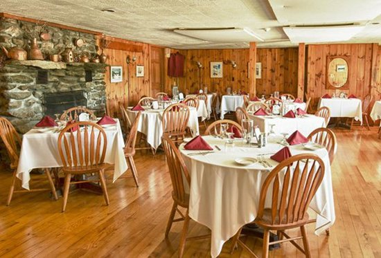 The Vermont Inn Restaurant: The Dining Room