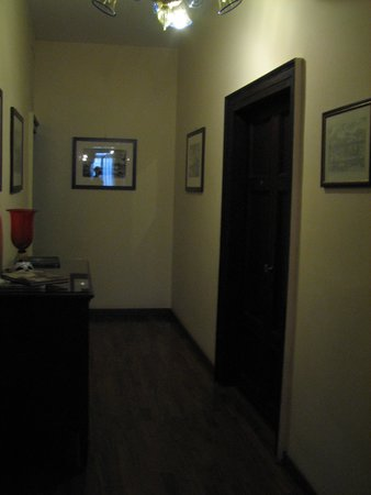 Arco Antico Guest House: Room door