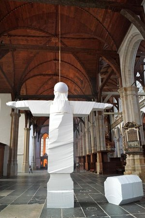 Oude Kerk: Ouevre contemporaine exposée