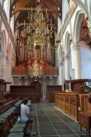 Oude Kerk: Orgue et lustres