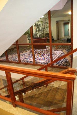 OLA Hotel Maioris: Escaliers