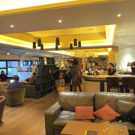 Hilton Edinburgh Airport: Bar/Resturant